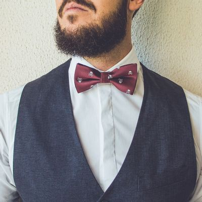 bow-tie-skull-red