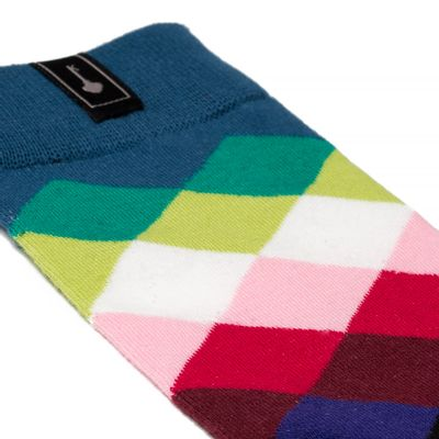 Socks-Rainbow-Black-02