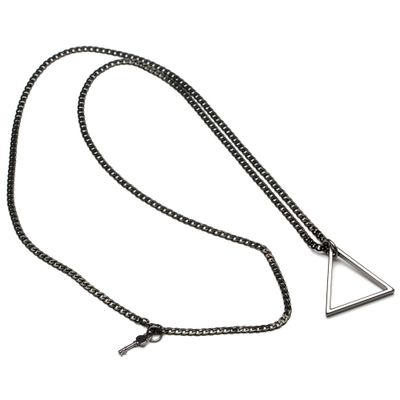 Turner-Chain-Black-02