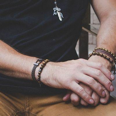 pulseira-de-pedra-marrom-claro