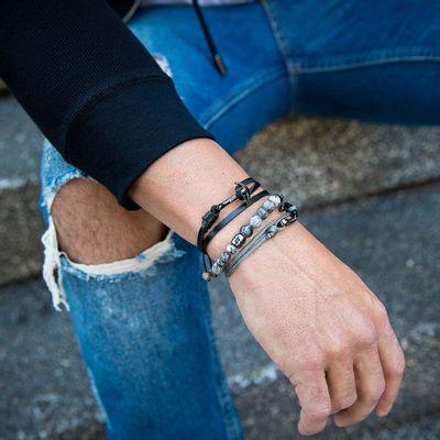 pulseira-masculina-de-pedra-cinza