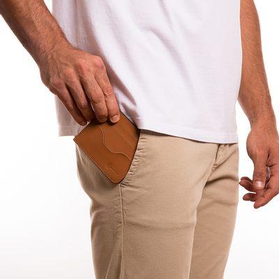 3022-key-design-acessorio-masculino-carteira-wallet-keith-caramel-corpo-01