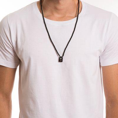 key-design-acessorio-masculino-colar-escapulario-stone-blackout-corpo