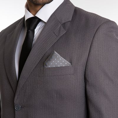 key-design-acessorio-masculino-lenco-pocket-square-point-grey-corpo
