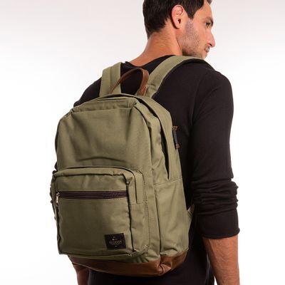 key-design-acessorio-masculino-mochila-bag-khaik-corpo