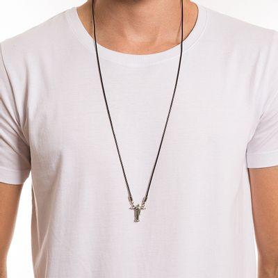 key-design-acessorio-masculino-colar-redentor-corpo