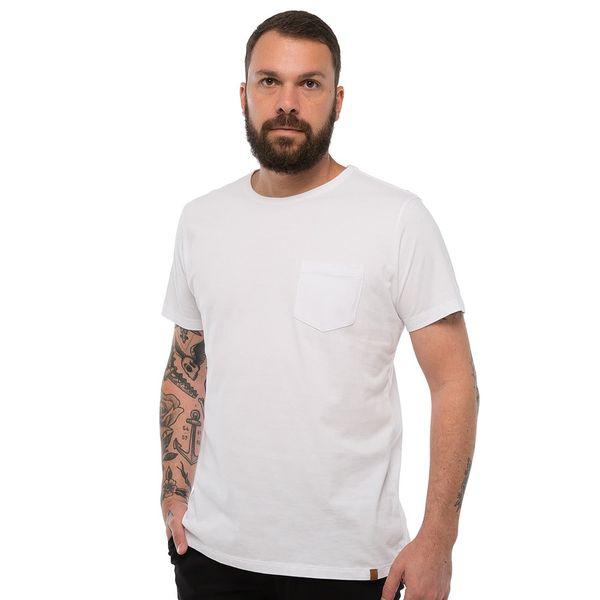 Camiseta-Basica-Com-Bolso---Branca-Lookbook-01-01-min