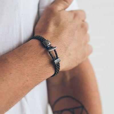 http---keydesign.vteximg.com.br-arquivos-ids-158811-600-600-pulseira-masculina-em-couro-de-niro-black-preta-key-design