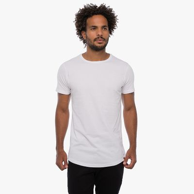 Camiseta-Long---Branca-Lookbook-01-02