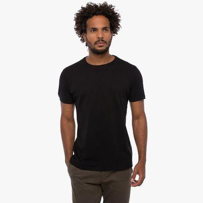 Camiseta-Basica---Preta-Lookbook-01-02