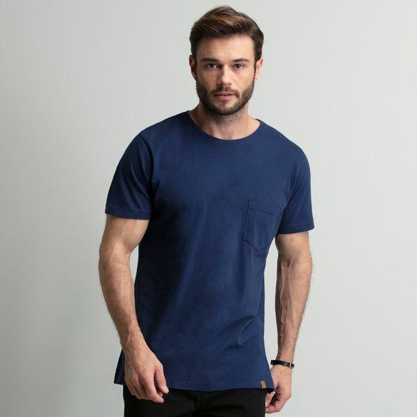 camiseta-com-bolso-azul-marinho-key-design