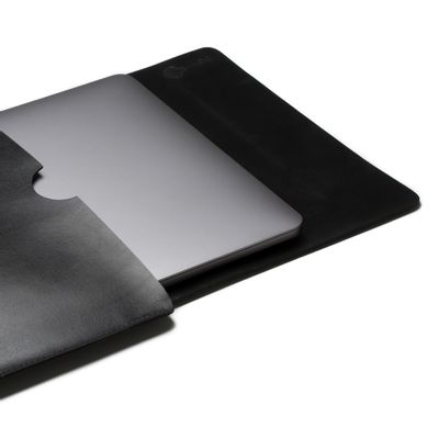 key-design-acessorio-masculino-laptop-case-black-03