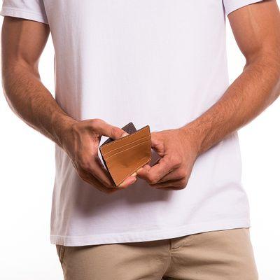 4166-key-design-acessorio-masculino-carteira-wallet-harrison-caramel-corpo-02